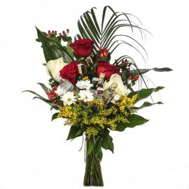 Exclusive bouquet of flowers and mini bottles - TOP