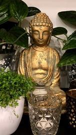 Candlestick Budha